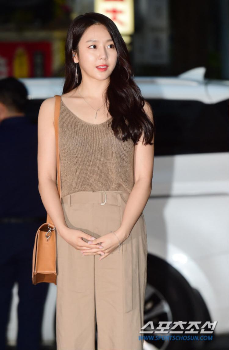 Ca sĩ kiêm diễn viên Ye Won.