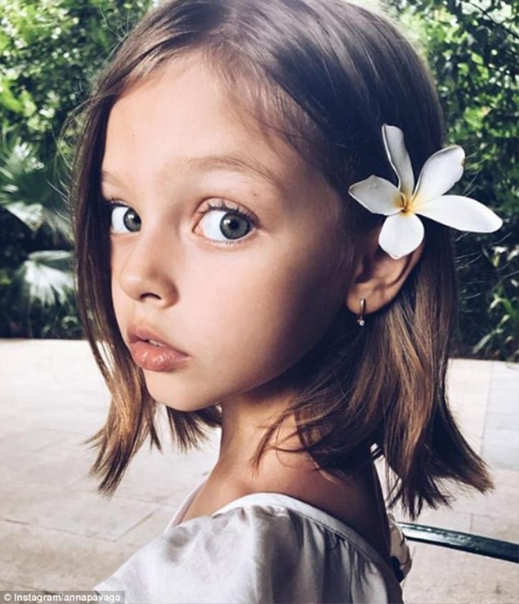 """Có bé Anna sở hữu danh hiệu """"Bé gái xinh nhất thế giới"""" trước đó. Ảnh: Instagram"""