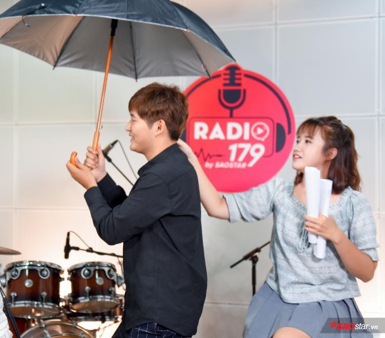 Radio 179 số 2: Woossi và Vannie liệu có trầy da tróc vẩy trước độ mặn của khách mời?