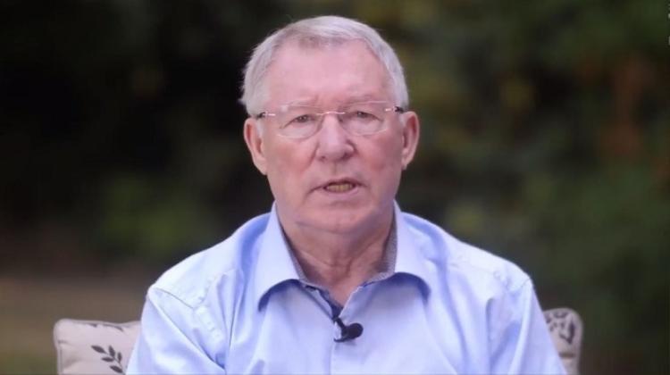 HLV Ferguson xuất hiện trên đoạn video mới nhất. Ảnh: Skynews.