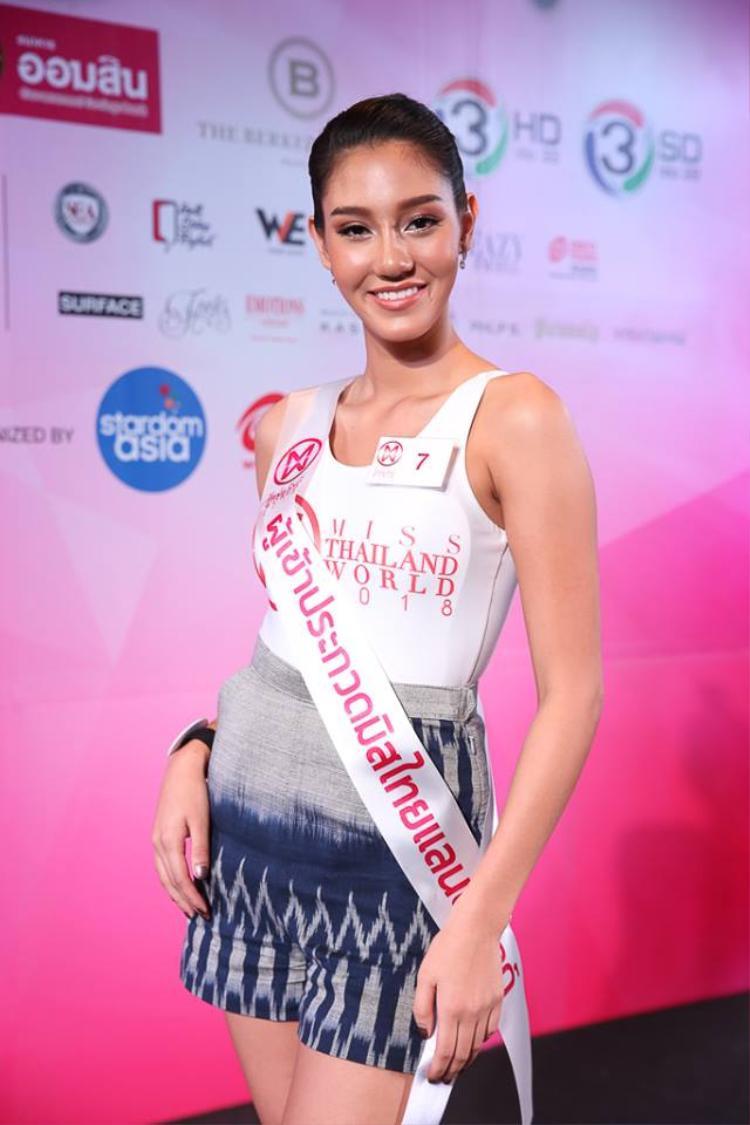 Thậm chí mỹ nhân 19 tuổi này từng lọt top 10 Miss Universe Thailand - Hoa hậu Hoàn vũ Thái Lan 2018 cũng không mấy thu hút.