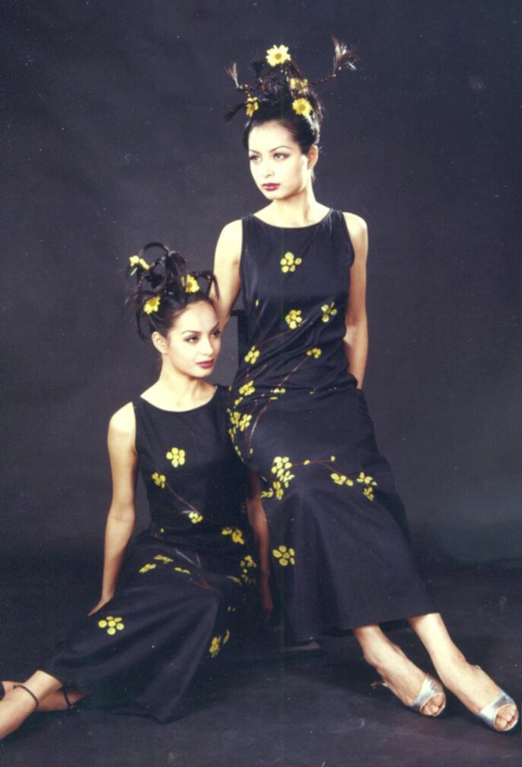 Từng là cặp đôi song sinh với nhan sắc vàng của làng thời trang những năm 90…