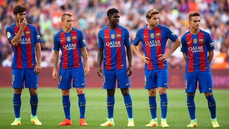 Các cầu thủ thuộc lò đào tạo La Masia chẳng còn có chỗ đứng trong đội hình Barca. Ảnh: Tiso.
