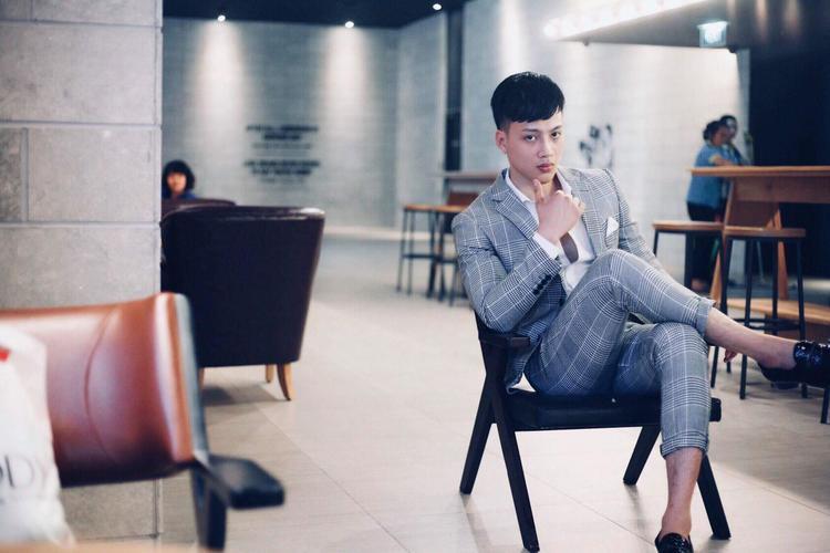 Choáng với hình ảnh dậy thì thành công của hotboy thể hình tại Siêu mẫu Việt Nam 2018
