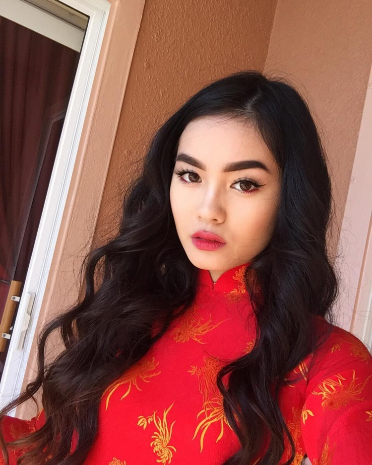 Jessica được sinh ra trong một gia đình có bố mẹ đều là người Việt nên cô được thừa hưởng những nét đẹp đậm chất Á Đông.