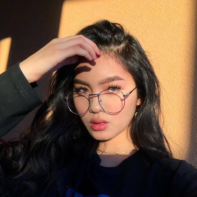 Cô nàng beauty blogger gốc Việt triệu người mê, quyến rũ, tài năng hết phần thiên hạ