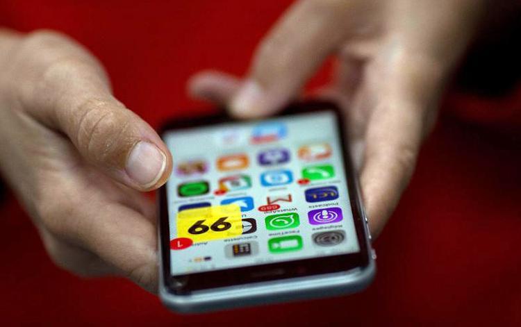 Nếu chỉ sản xuất iPhone mở Mỹ, Apple sẽ gặp khó trong việc đáp ứng nhu cầu của thị trường.