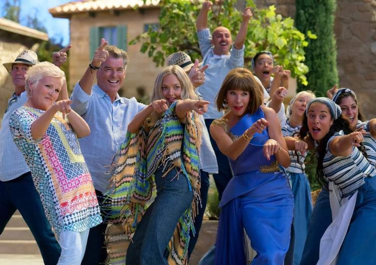 Liệu Mamma Mia! Here We Go Again có hay hơn phần đầu tiên? Chắc chắn rồi!