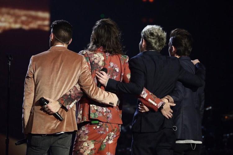 One Direction ơi, mọi người đang chờ đợi những bản hit của các anh trong năm 2020 đấy!
