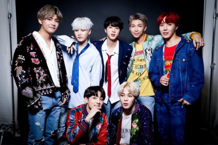 BTS là nhóm nhạc nam rất nổi tiếng của Hàn Quốc.