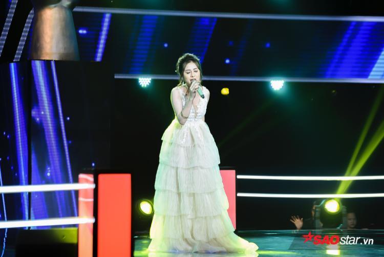 Mỹ Hằng  Hải Vy: Cuộc đo ván kịch tính giữa phù thuỷ và công chúa tại The Voice 2018