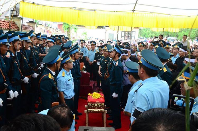 Các nghi thức tang lễ lần lượt được thực hiện