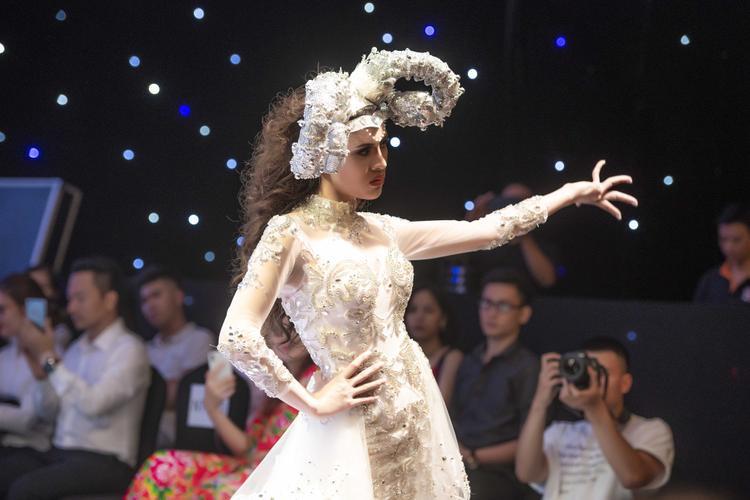 Sau Miss Eco International 2018, Thư Dung tất bật với các hoạt động của mình.