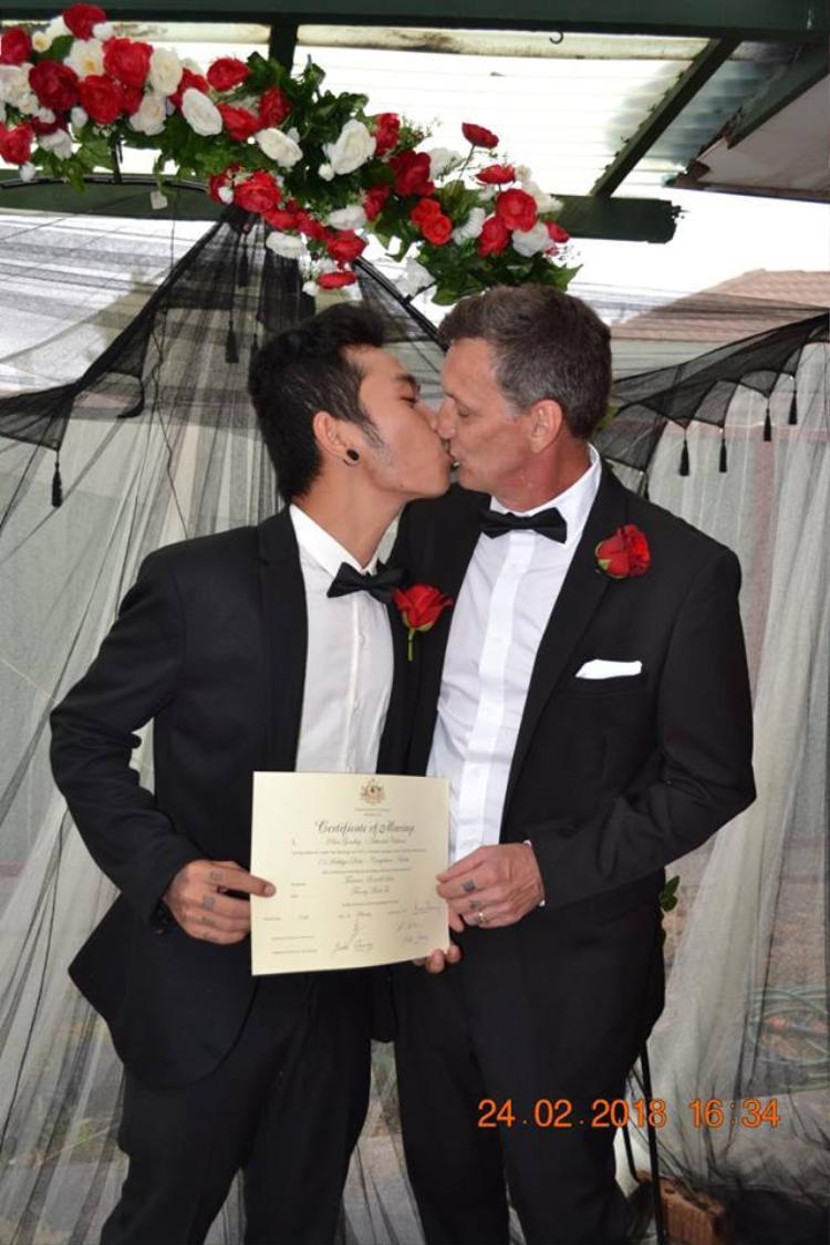 Hình ảnh ngọt ngào trong đám cưới của cặp đôi