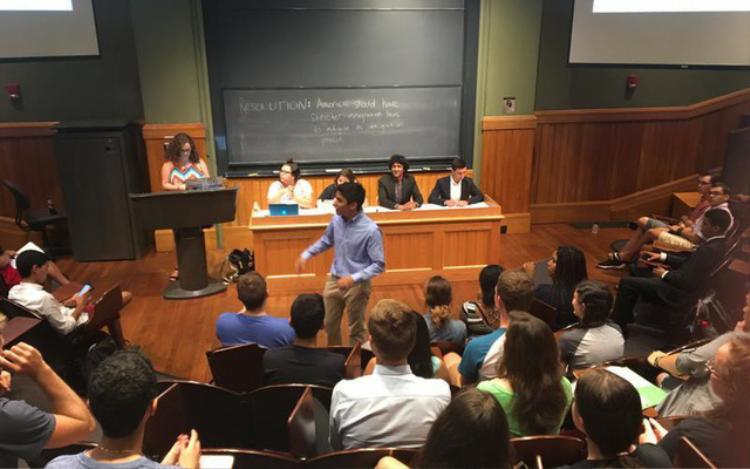 Tiết học ở Harvard là những buổi phản biện. Ảnh: Lê Thanh Sang.