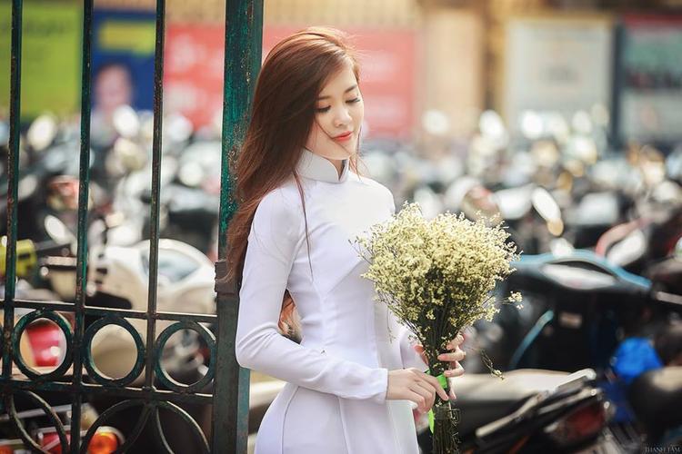 Huyền Trang từng đạt giải Nhì cuộc thi Miss Thanh Chương, Nghệ An.