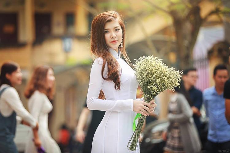Cận cảnh nàng hoa khôi xứ Nghệ tại ĐH Luật Hà Nội