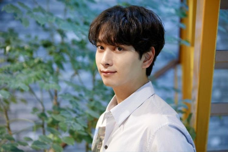 Chan Sung lên tiếng về nghi vấn tình cảm giữa cặp đôi Park - Park.
