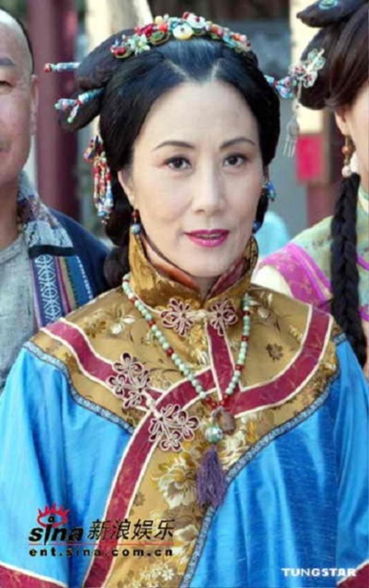 Nữ diễn viên lão làng của TVB, Uông Minh Thuyên vào vai Thước Lan cách cách.