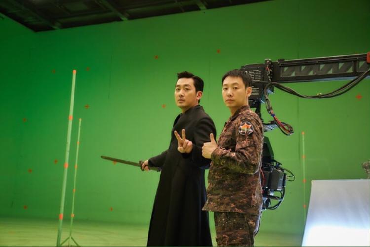 Ha Jung Woo và Kim Dong Wook.