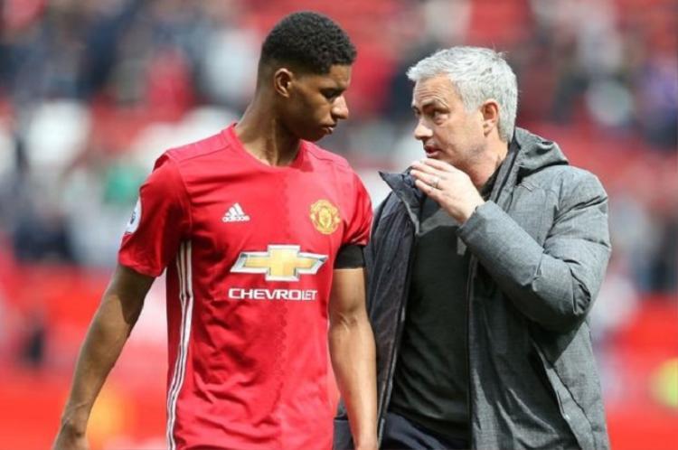 Mourinho thiếu một chiến lược dài hơi cho MU. Ảnh: Daily Mail.
