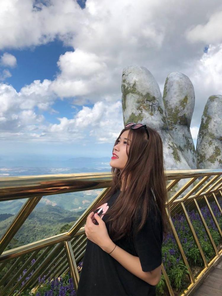 Có lợi thế về nghệ thuật nhưng Ái Linh cho biết cô nàng hiện vẫn đang tập trung cao độ cho việc học và định hướng bản thân sẽ trở thành một doanh nhân.