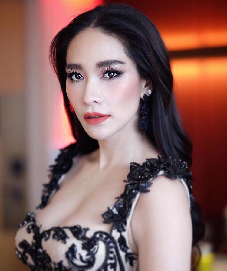 Siêu mẫu hàng đầu Thái Lan