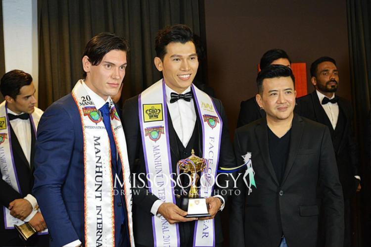 Sau các phần thi phụ tại Manhunt 2017, Ngọc Tình đã giành giải Gương mặt của nămtrên đất Thái Lan.