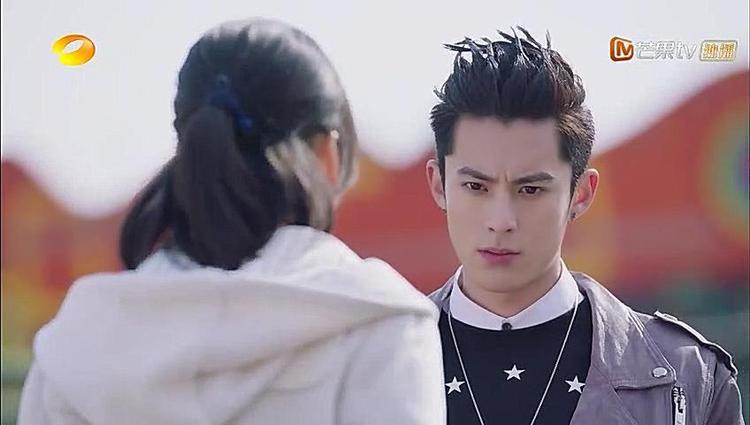 Cuối cùng, chuyện gì đến cũng đến, A Tự vì nghe được bạn trai Tiểu Ưu nói xấu Sam Thái mà đã ra tay đánh anh. A Tự còn không nói ra nguyên nhân khiến Sam Thái vô cùng tức giận.
