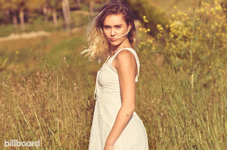 Miley  Selena  Demi: Câu chuyện về hào quang, sóng gió và ngã rẽ cuộc đời của 3 nàng công chúa Disney