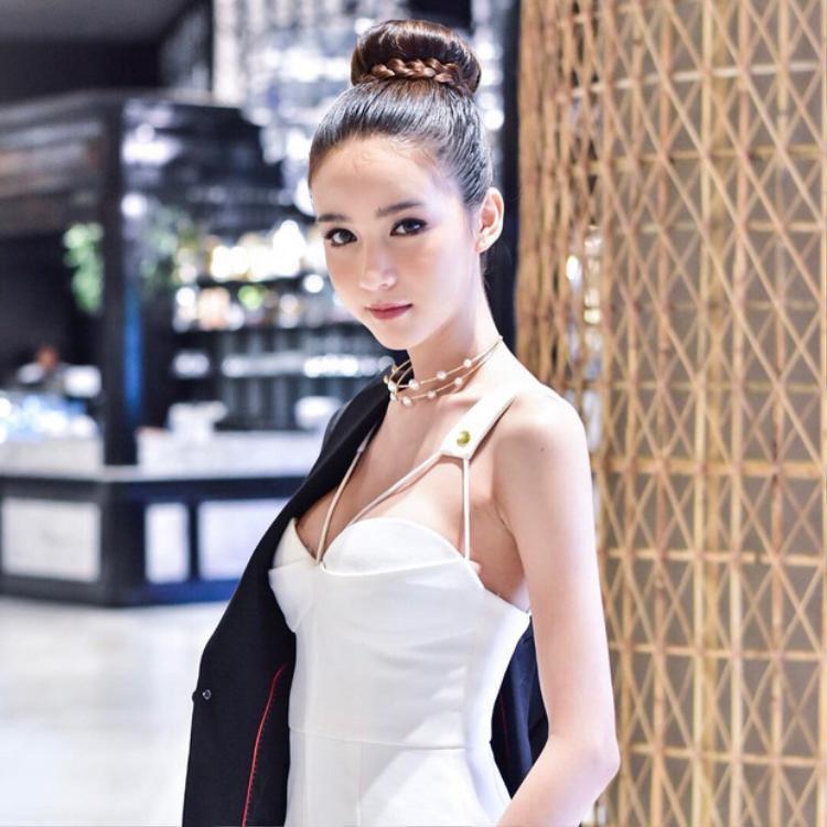 Nong Poy, Hương Giang và Yoshi: Ai mới là người sở hữu nhan sắc chuyển giới đỉnh cao?