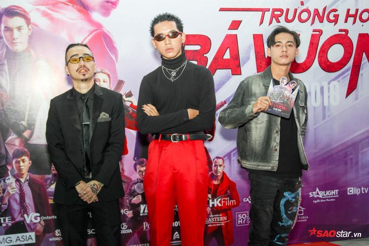 Nam chính Wean Le (giữa) cùng hai bạn diễn trong phim.