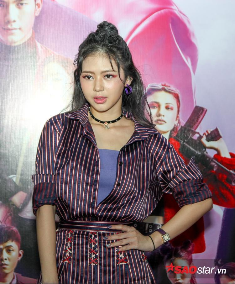 """Còn cô nàng Liz Kim Cương - Nữ phụ của phim """"Trường học bá vương"""" thì cá tính."""