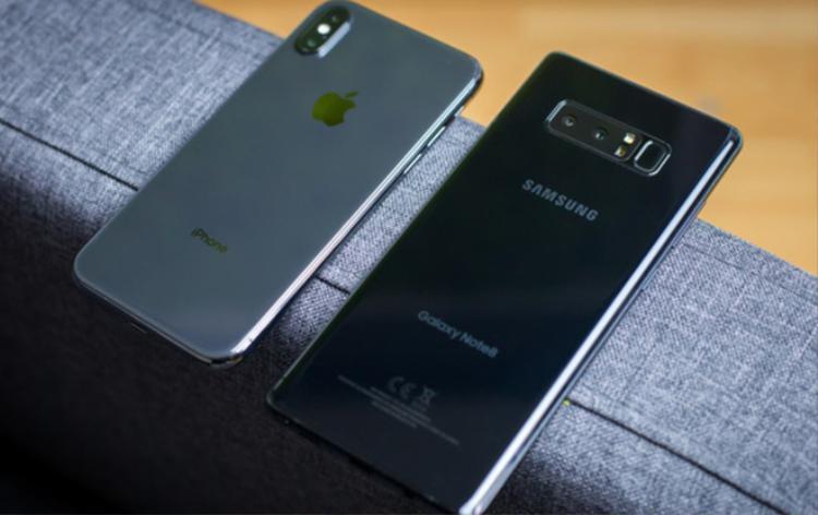 Cuộc chiến smartphone cao cấp nửa cuối năm sẽ không tập trung vào thiết kế hay cấu hình.
