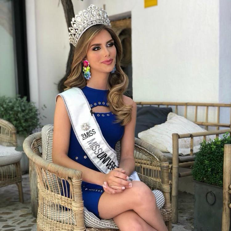Angela Ponce - người đẹp chuyển giới đăng quang Hoa hậu Hoàn vũ Tây Ban Nha 2018 được dự đoán đăng quang Miss Universe năm nay. Cô sở hữu nhan sắc sắc sảo cùng thần thái đĩnh đạc. Việc Miss Universe được tổ chức ở Thái Lan là một lợi thế cho người đẹp. Bởi đất nước chùa vàng là một trong những cái nôi của ngành công nghiệp chuyển giới. Việc thi đấu ở đất nước Đông Nam Á này sẽ giúp cô nhận được sự ủng hộ lớn của người dân nơi đây.