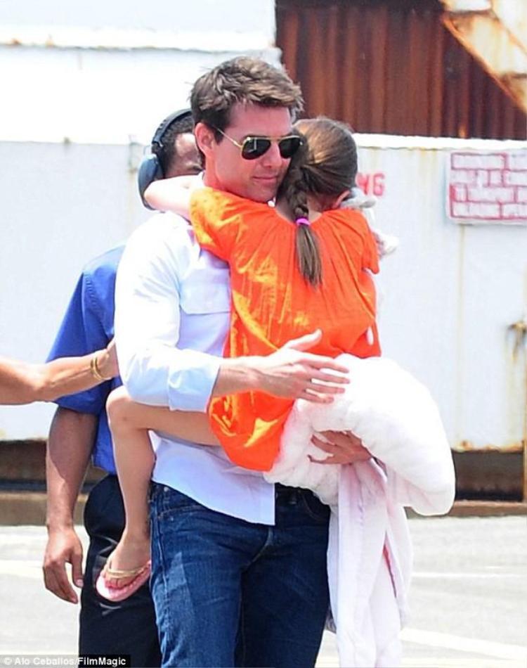 Tom Cruise sẽ gặp lại con gái nhỏ Suri sau 7 năm bỏ mặc