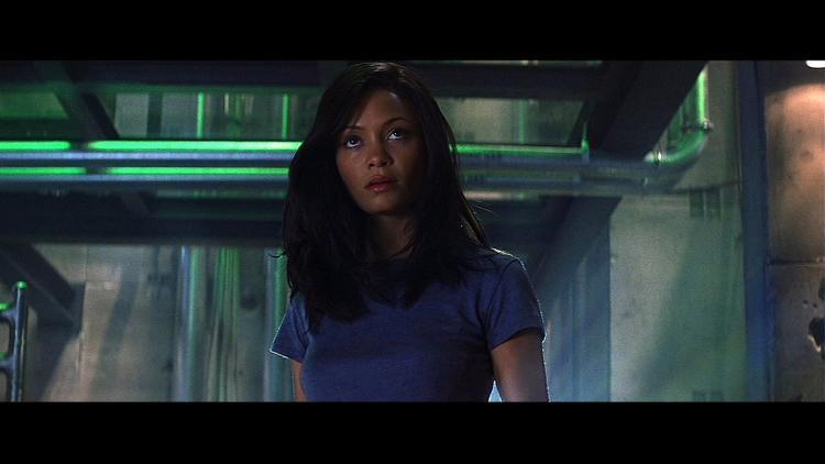 Cô hóa thân trong vai diễnNyah Nordoff-Hal - một nữ đạo chích đá quý