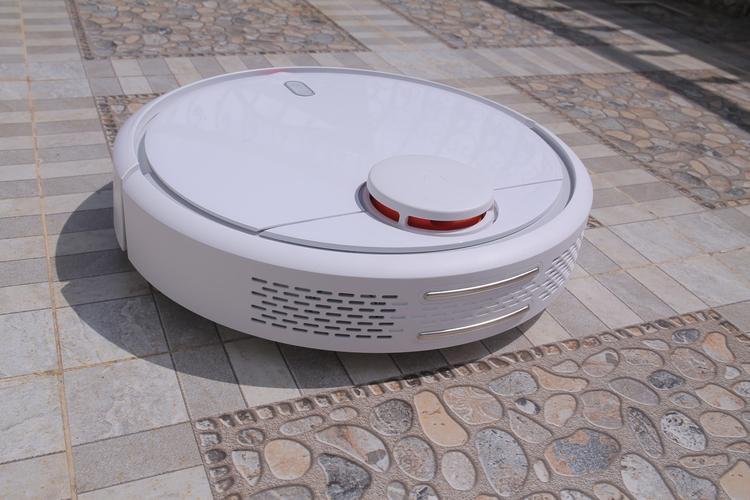 Xiaomi ra mắt robot hút bụi tự động Vacuum tại Việt Nam