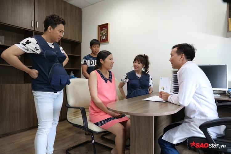 Lần đầu được đi khám thai: Kỳ Duyên trổ tài phiên dịch, Hương Giang thuyết phục bà bầu tin dùng cải bó xôi
