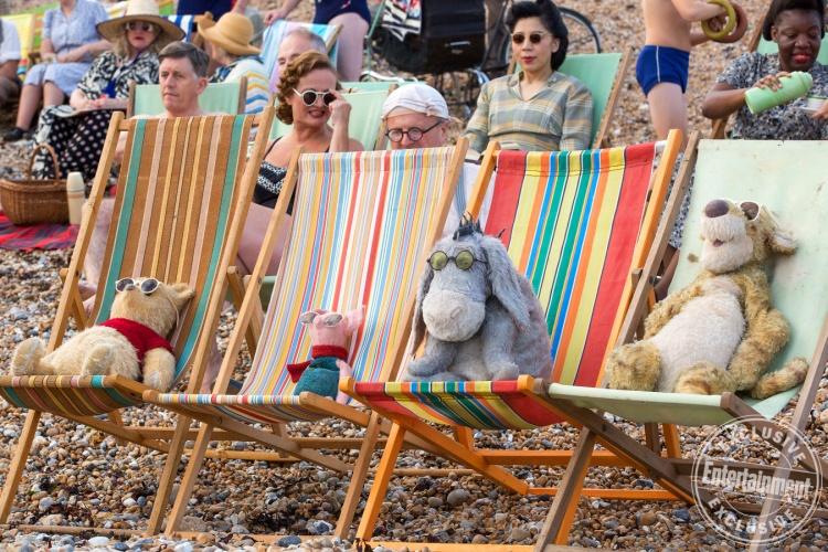 Christopher Robin: Cùng gấu Pooh lên tàu đi tìm tuổi thơ
