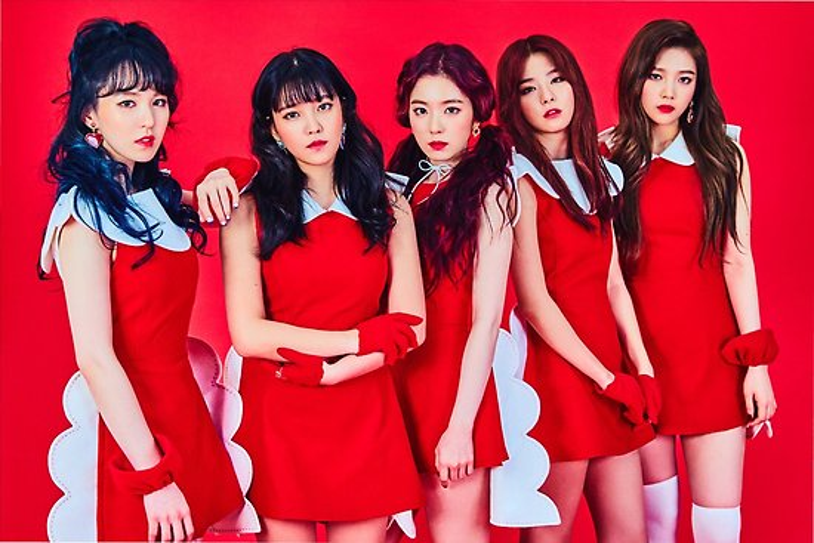 Bộ váy khó hiểu của Red Velvet.