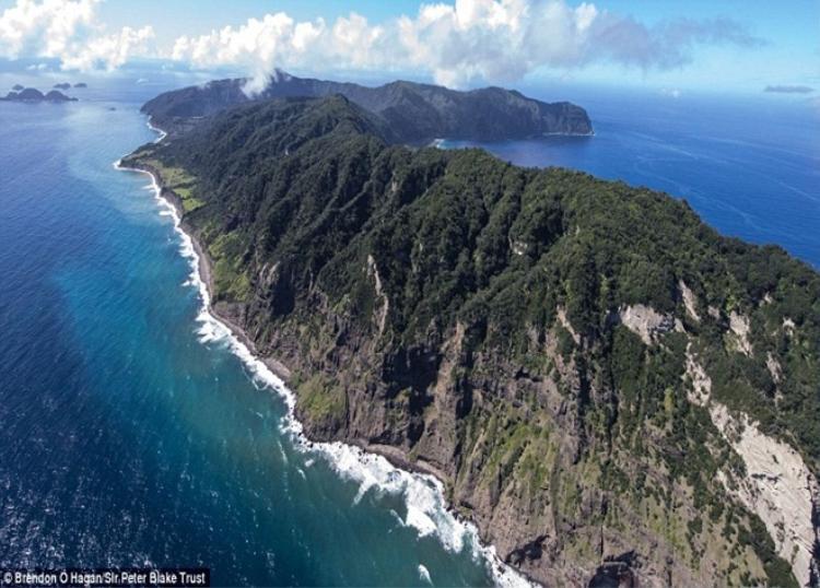 Hình ảnh tuyệt đẹp này của đảo Raoul được chụp hồi tháng 4/2018. Ảnh: Dailymail.