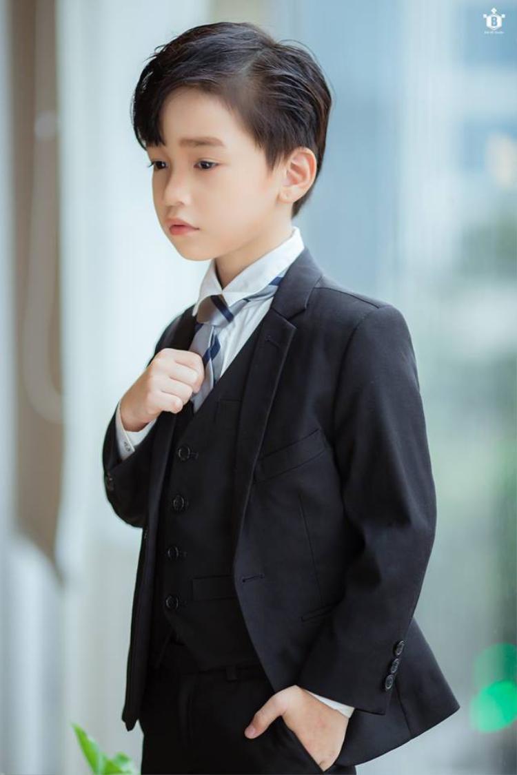 """""""Phó Chủ tịch"""" Cao Hữu Nhật cũng có thần thái chẳng kém gì Phó Chủ tịch Lee."""