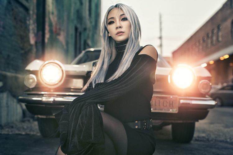 Trong khi đó, CL vừa thông báo hủy bỏ gần như toàn bộ lịch trình biểu diễn trong tháng tới vì lý do sức khỏe.