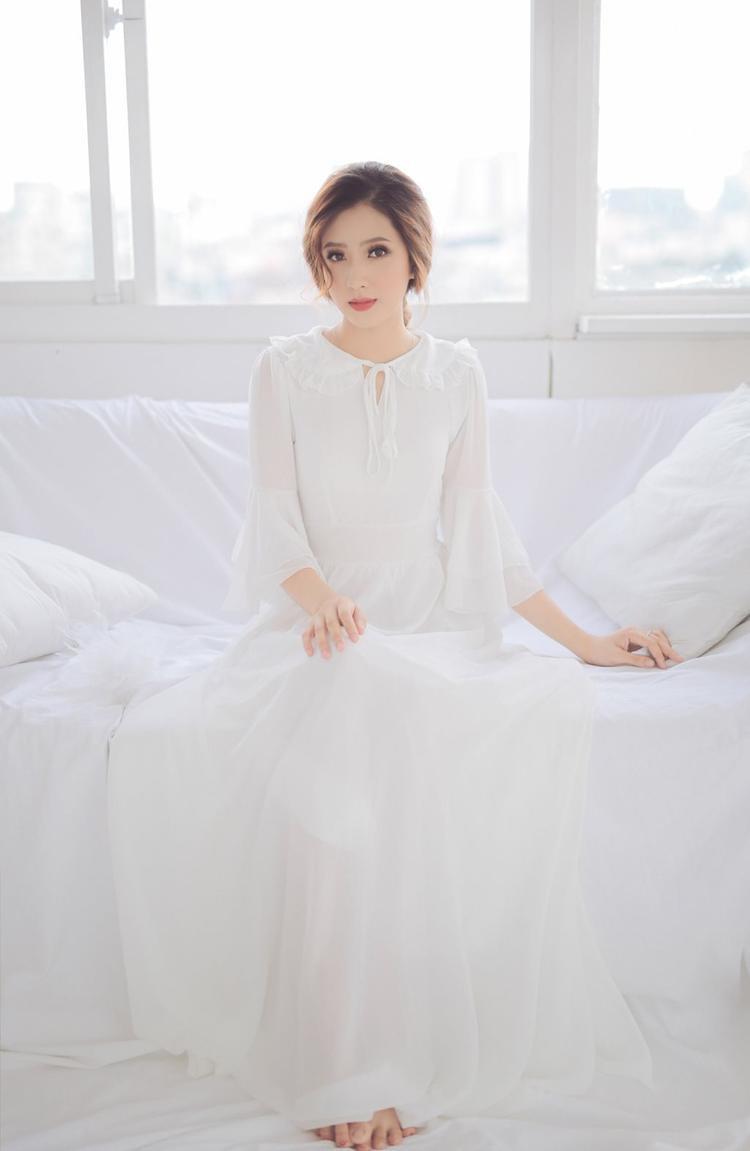 Cô bạn sở hữu chiều cao 1m65 cùng nhan sắc cực kỳ xinh đẹp từng đạt danh hiệu Á khôi 2 cuộc thi Miss Hutech và lọt top 10 cuộc thi Tài năng MC Hutech 2017.