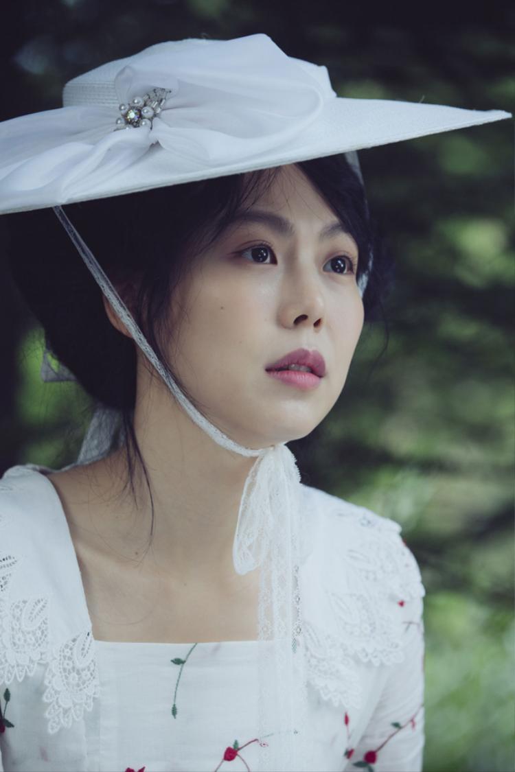"""Nàng Hideko thông minh, xinh xắn nhưng có tuổi thơ bất hạnh khiến nhiều người thương cảm củaThe Handmaiden đã tạo nên một '""""cơn sốt"""" khi vừa ra rạp."""