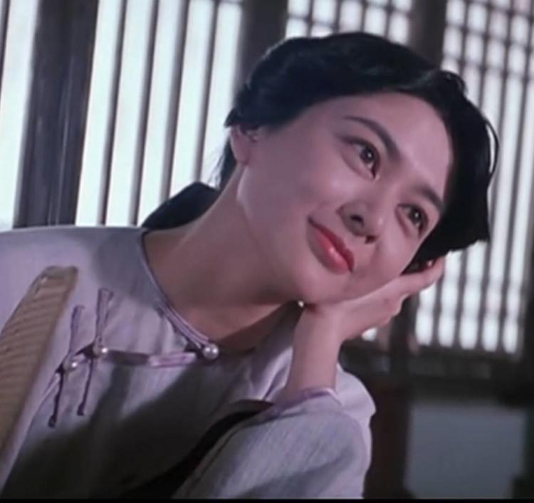 """""""Dì mười ba"""" - hồng nhan tri kỷ của Hoàng Phi Hồng đã đưa tên tuổi Quan Chi Lâm vươn tầm châu Á."""
