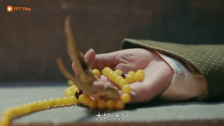 Thái phi té, làm đứt tràng hạt hàng real xuất xứ Bảo Hoa điện.