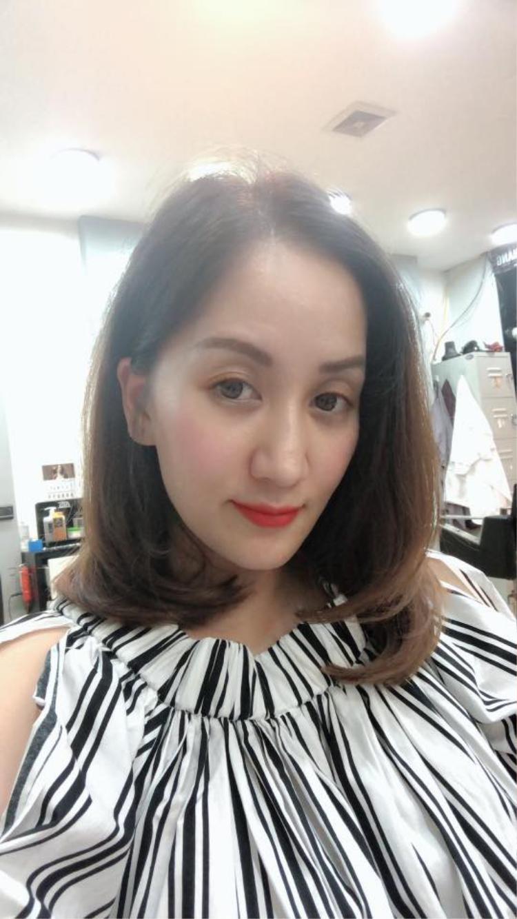 Khánh Thi trẻ trung với mái tóc mới