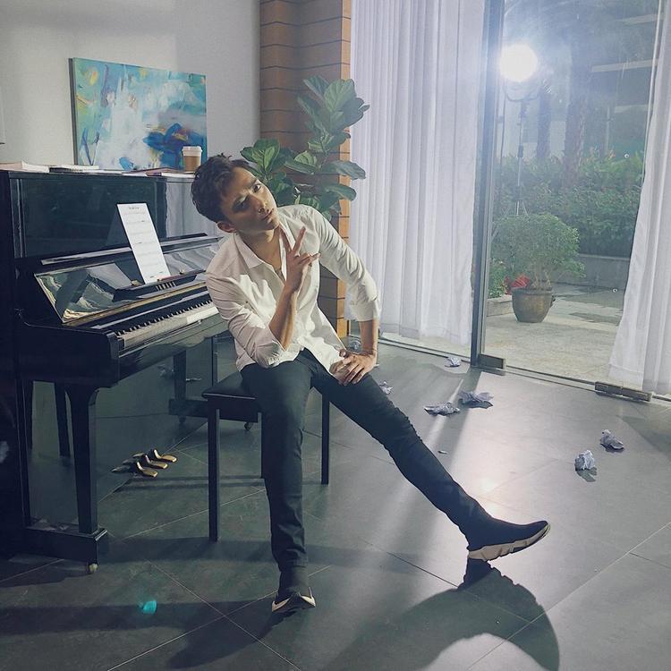 """Bên cạnh những ca khúc sôi động và """"chất lừ"""", Sau tất cả từ Soobin Hoàng Sơn cũng khiến người hâm mộ phải """"lụi tim"""" khi thể hiện version piano."""